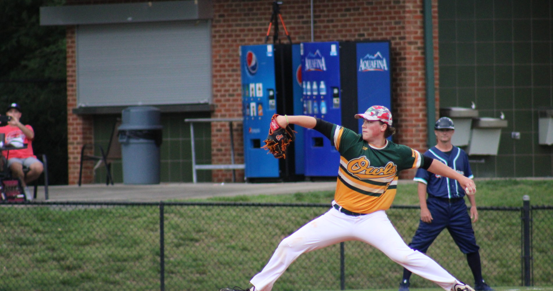 Owls Topple Mustangs in a Shutout Show